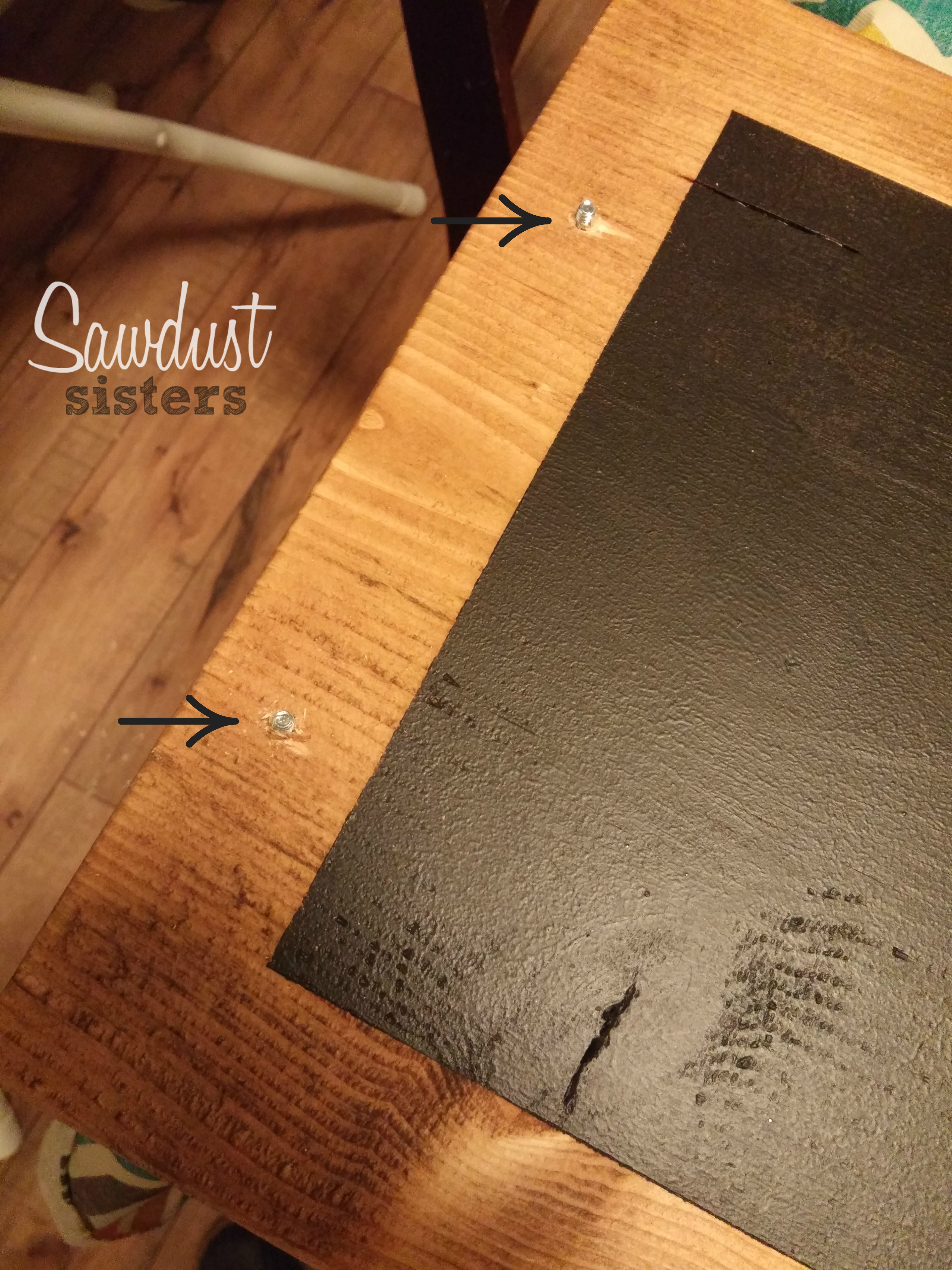DIY Chalkboard Tray! So Easy! Making it this weekend! Sawdustsisters.com