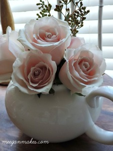 Fresh Roses in a Teapot Centerpiece